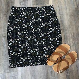 LULAROE - Patterned Cassie Skirt
